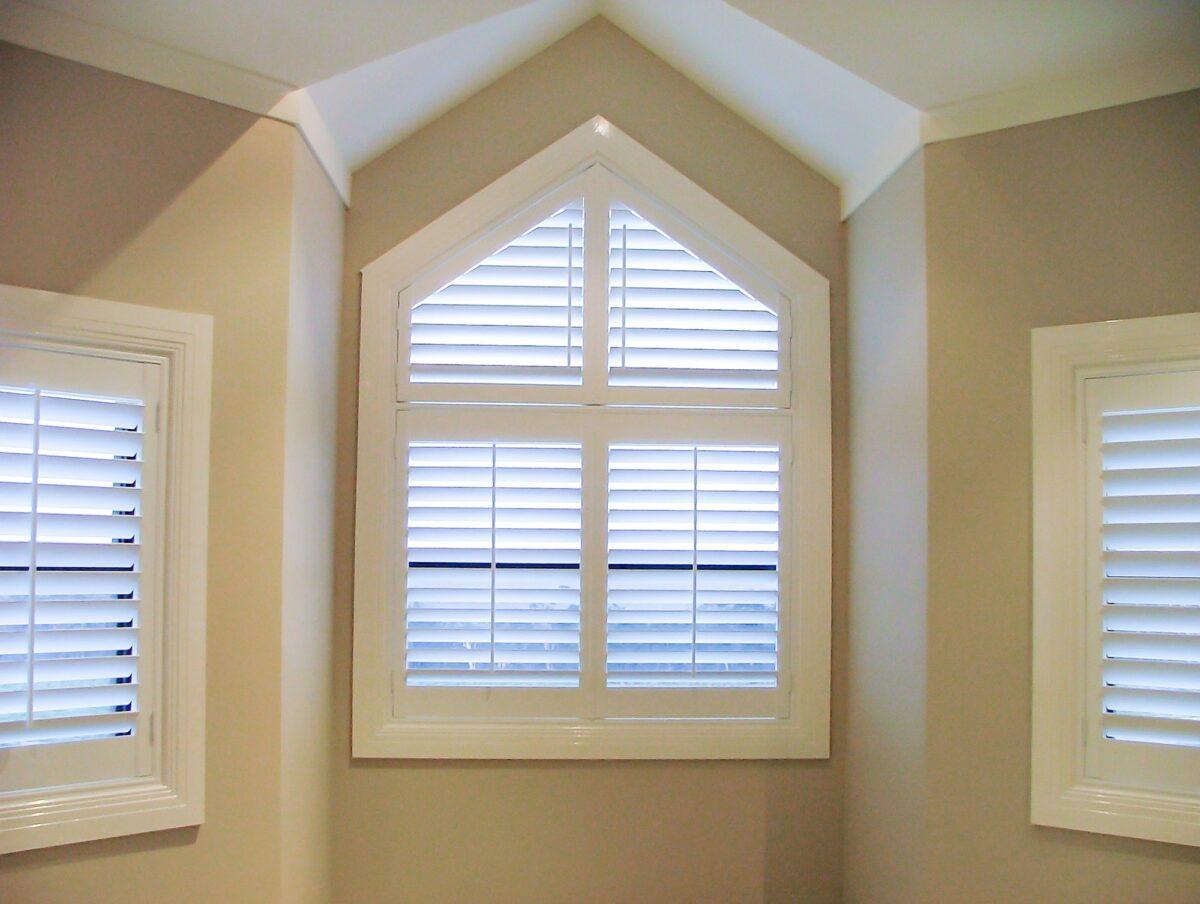 plantation shutter for triangle window
